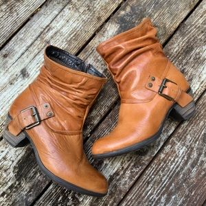 Eric Michael leather booties size 40 or 9..5 / 10